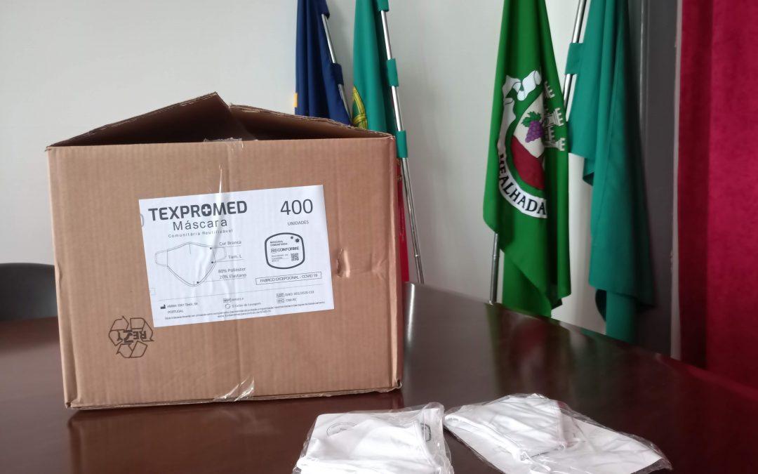 Distribuição gratuita de máscaras comunitárias reutilizáveis